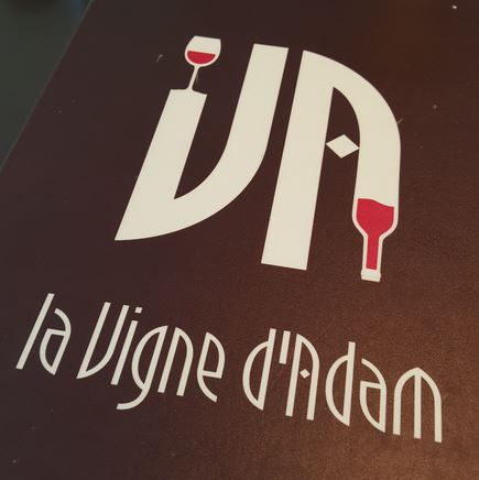 Met lichte vertraging door wegwerkzaamheden omstreeks 13.00 aangeschoven voor een eerste lunch bij 'La vigne d'Adam'.